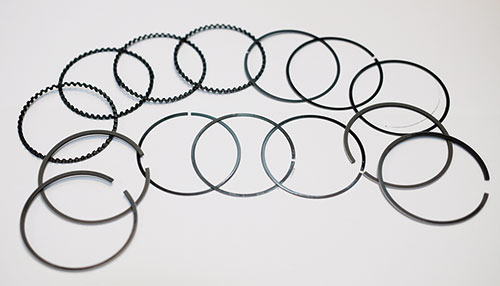 使用類金剛石碳(DLC)納米塗層的活塞環。