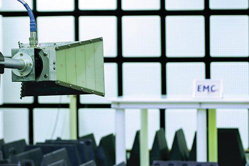 「多功能全天候电磁波测试室」的专业顾问为业界提供测试技术支援方案。
