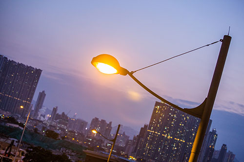 HKPC added wireless network to over 200 street lamps in San Po Kong and Kai Tak to significantly enhance their management