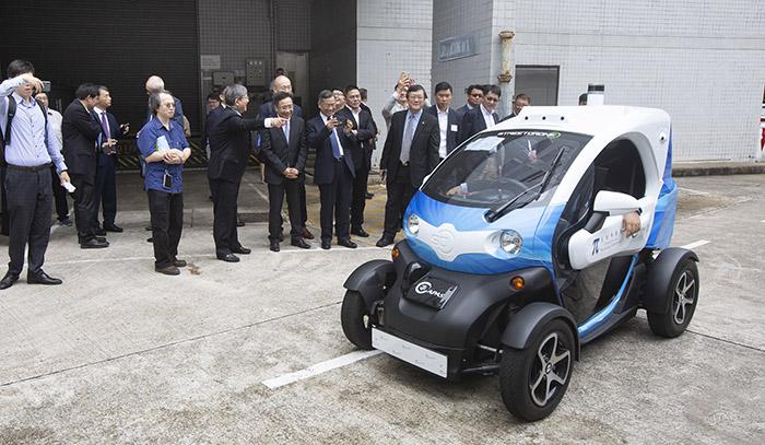 為進一步提升本地無人駕駛技術,APAS首度在無人駕駛開放式研發平台加入5G接收器。