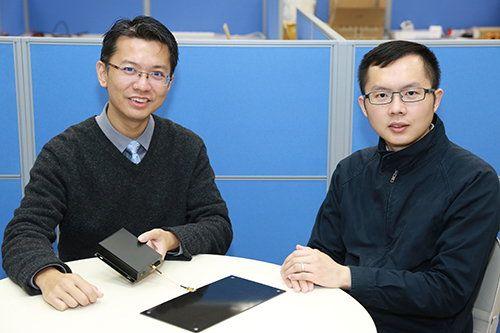 生產力局汽車及電子部顧問陳國保(左)及助理顧問劉奕聰(右)