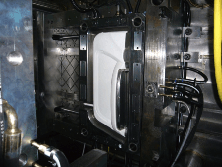 PU-thermoplastic overmoulding tandem mould
